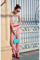 pink Nava pants - turquoise blue bangkok bag - red Zara heels