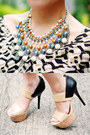 Beige-pearls-things-that-matter-necklace-black-tribal-sugarlips-dress