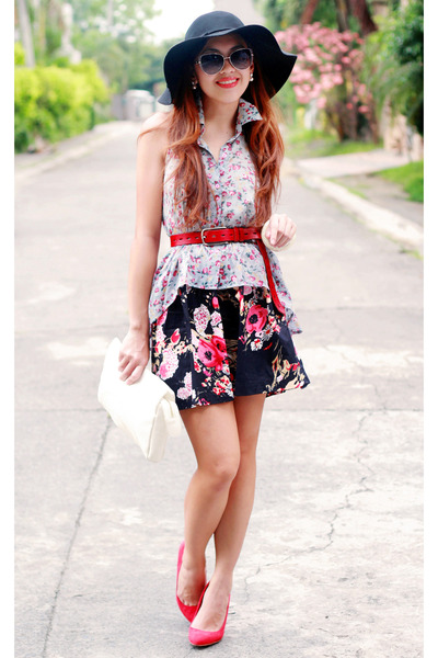 periwinkle floral Nava top - black floral Nava skirt - red suede Zara heels