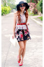 Red-suede-zara-heels-black-floral-nava-skirt-periwinkle-floral-nava-top