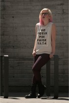 black All Saints boots - magenta H&M jeans - off white Forever 21 t-shirt