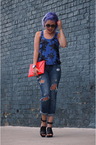 navy abercrombie and fitch jeans - red bcbg max azria bag - blue Express top