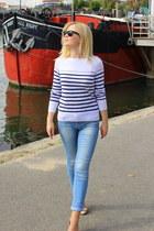 Zara jeans - Ray Ban sunglasses - Zara blouse