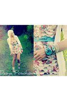 blue blue belt VeroModa belt - beige ruffled floral dress sixtina dress - white