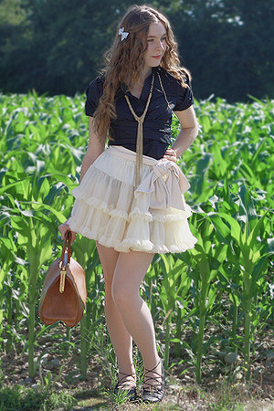 vintage bag - American Apparel skirt - bcbg max azria top - H&M necklace - H&M a