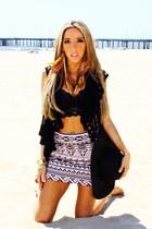 black crochet HAUTE & REBELLIOUS vest - black lace HAUTE & REBELLIOS bra