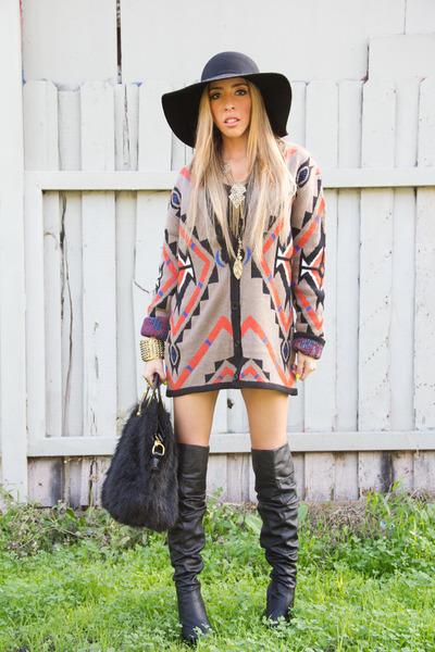 knee high boots HAUTE & REBELLIOUS boots - fur bag HAUTE & REBELLIOUS bag