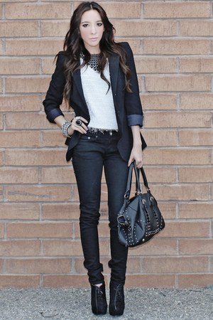 white DLA sweater - black skinny DEGIANE jeans - black shoulder pad Zara blazer