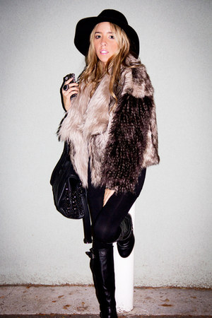 black HAUTE & REBELLIOUS boots - dark brown faux fur Zara coat