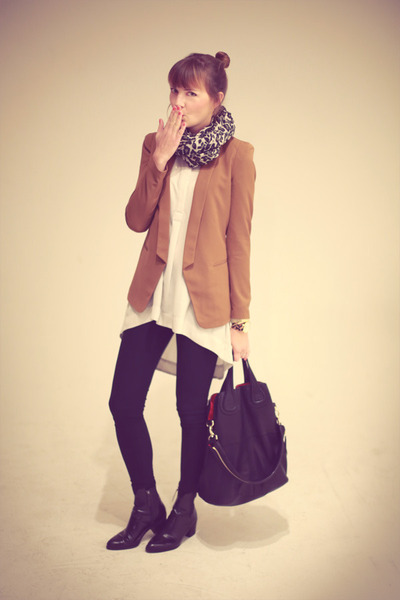 H&M blazer - Zara boots - Givenchy bag