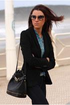 Levis jeans - Zara blazer - Miu Miu sunglasses
