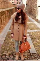 Massimo Dutti bag - Ugg boots - holy preppy coat - Levis jeans