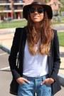 Massimo-dutti-hat-zara-blazer-ray-ban-sunglasses