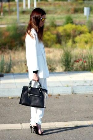 Zara blazer - Uterque bag - Zara pants - Mango sandals