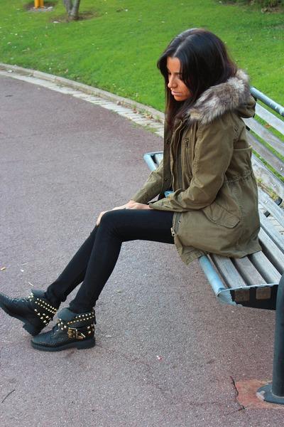 Zara boots - Zara coat - Zara jeans - Massimo Dutti blouse