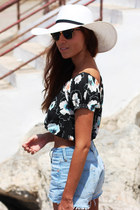 Aranda hat - Levis shorts - ray-ban sunglasses - Zara top