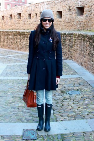 holy preppy coat - Hunter boots - Levis jeans - coach bag