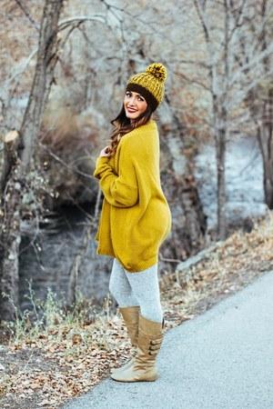 mustard knit Loopsway hat