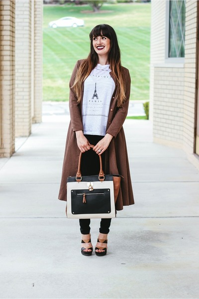 black tote JCPenney purse - off white graphic tee JCPenney t-shirt