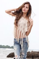 eggshell PacSun shirt - light blue American Eagle jeans