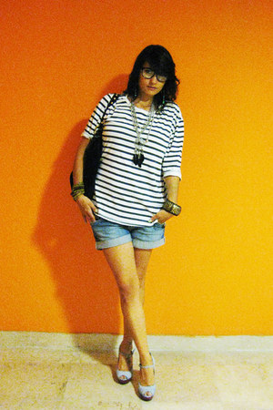 H&M glasses - Gucci bag - H&M shorts - H&M t-shirt - Buffalo London heels