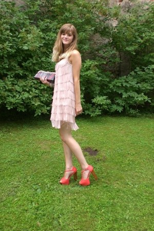 coral Nelly shoes - H&M dress