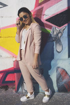 Zara suit - ray-ban sunglasses - white Zara sneakers