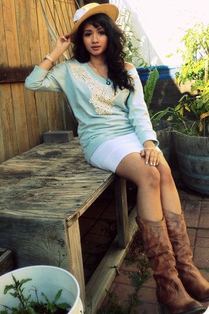brown Aldo boots - light yellow straw hat no brand hat - white cotton Love skirt