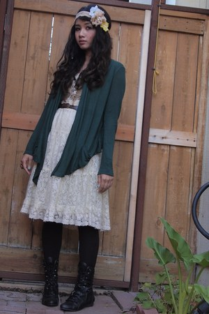 cream lace skirt skirt - black lace up boots boots