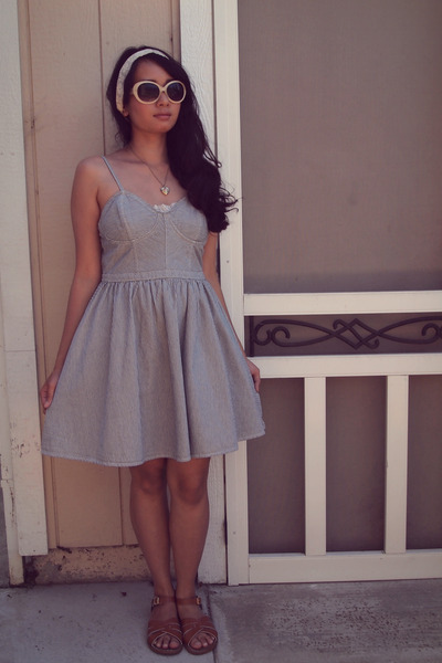 blue arizona jeans dress - off white lace head band Claires hair accessory