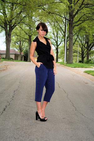 black sleevless Zara blazer - black peep toe pump PLV shoes