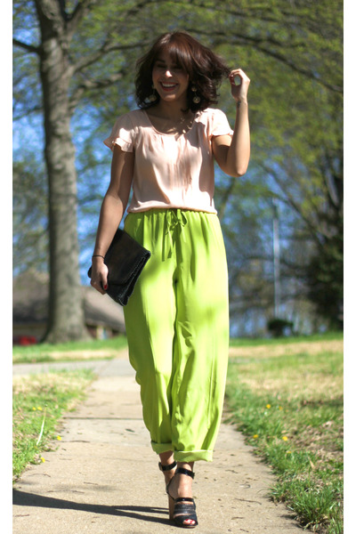 peach asos top - chartreuse vintage pants - black Robert Clergerie sandals