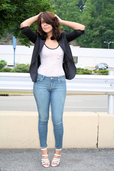 vintage from sister - BDG jeans - bcbcmaxazria shoes - H&M blazer