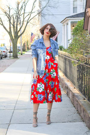 red floral print vintage dress - blue denim Zara jacket