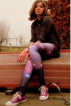 Converse shoes - Romwecom leggings - Steps blouse