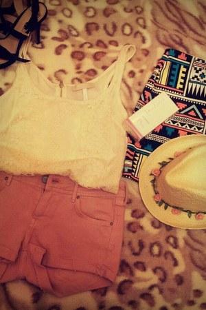 ivory Bershka hat - eggshell Bershka shirt - bubble gum H&M shorts