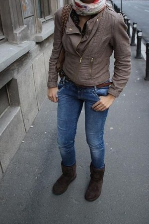 brown Ugg boots - navy Zara jeans - light brown H&M jacket