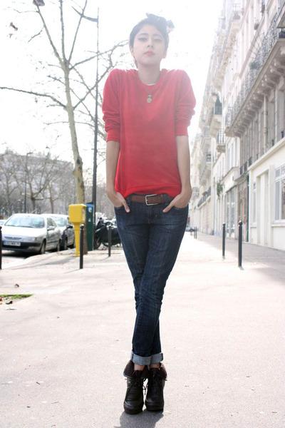 moms scarf - Tommy Hilfiger shoes - Gap jeans - vintage belt