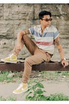 beige Aeropostale shirt