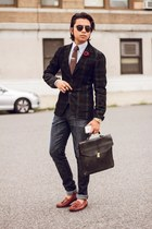 green Uniqlo blazer - brown johnston&murphy shoes - blue Levis jeans