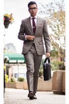 Bar lll suit