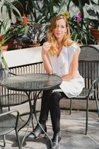black Senso boots - white Thefreeisland top - black Forever 21 pants