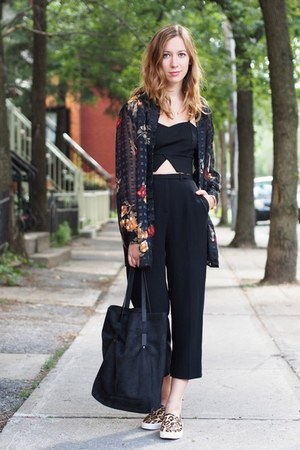 black crop Choies top - black vintage shirt - black Martin Dhust bag