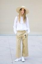 white scotch and soda shirt - straw Stetson hat - camel scotch and soda pants