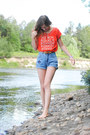 Blue-vintage-shorts-red-bohemian-forever21-top-camel-vintage-belt