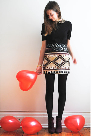beige Zara skirt - black Zara top - crimson Call it Spring heels