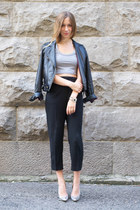 heather gray crop Alexa Pope top - black tailored Aritzia pants