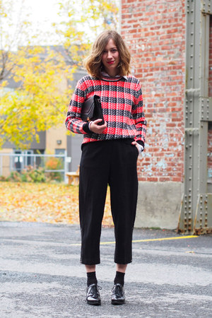 red knit Choies sweater - black vintage bag - black Aritzia pants
