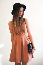 salmon Sugarlips dress - black H&M hat