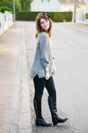 Clarks boots - Forever21 sweater